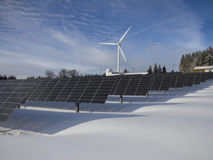 2olienne et panneaux photovoltaïques